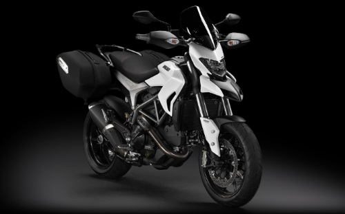 Model-Page_2013_Hyperstrada_01_960x420